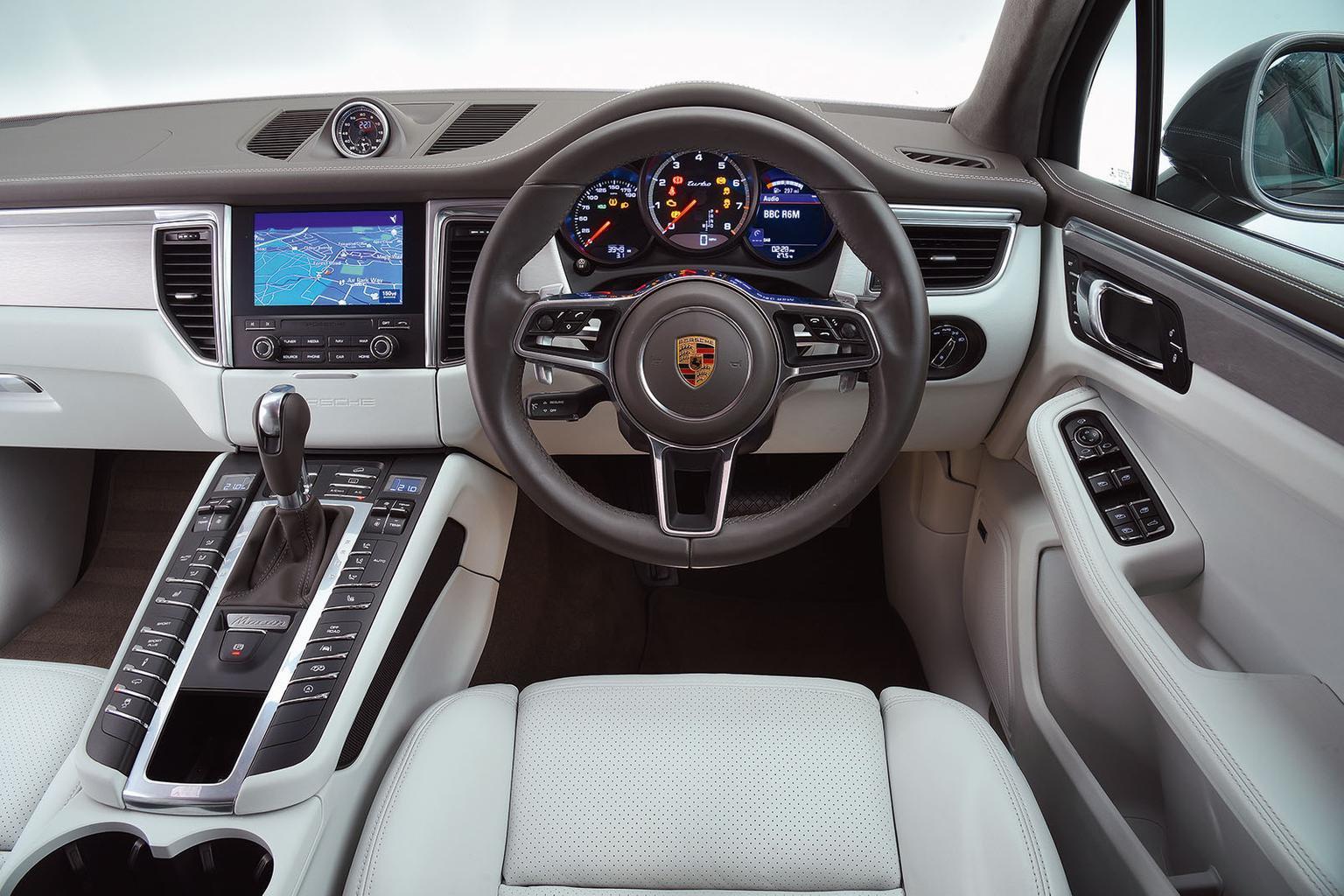 New Range Rover Velar vs Audi SQ5 vs Porsche Macan