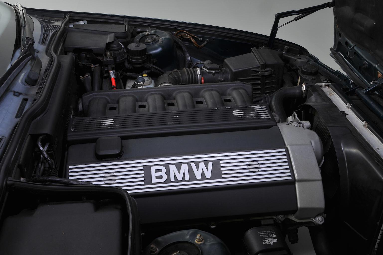 BMW 5 Series (E34) - Rewind Wednesday