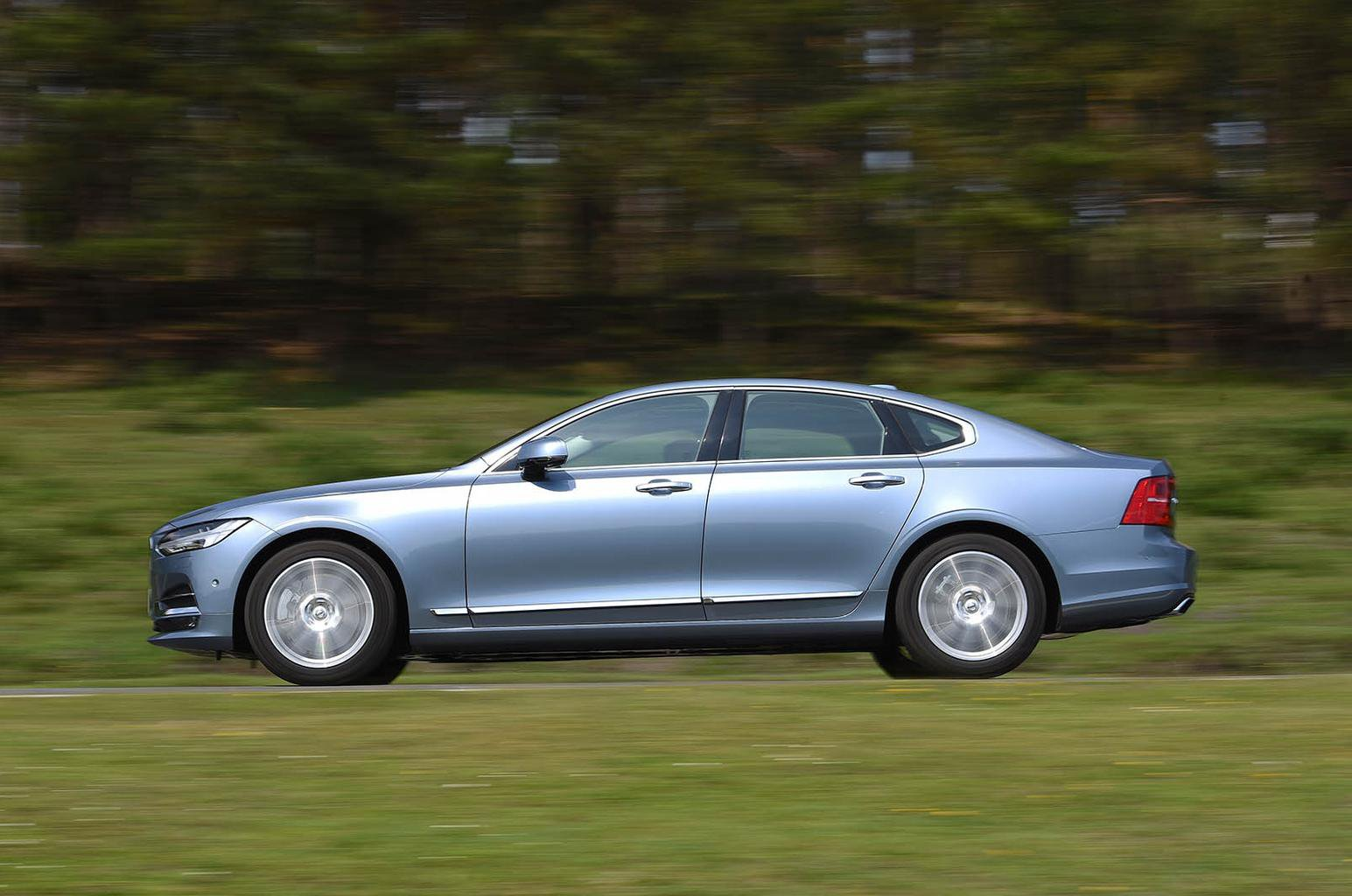 2016 Volvo S90 D4 review