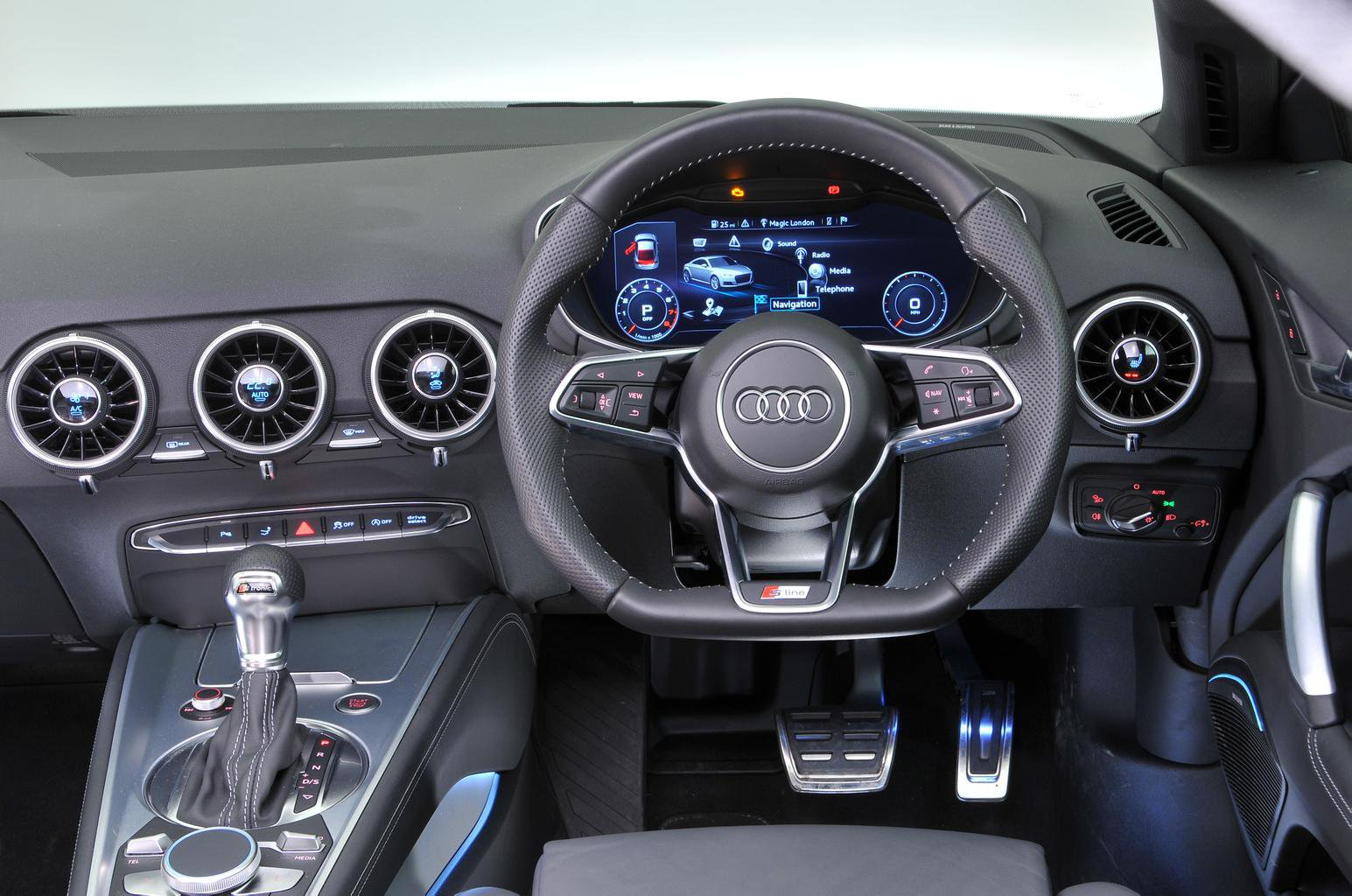 Audi TT vs VW Scirocco