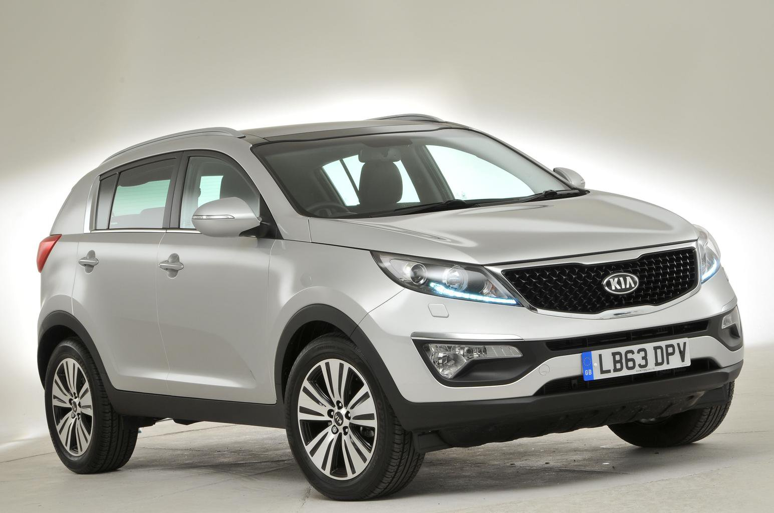 Used test – reliable SUVs: Kia Sportage vs Mazda CX-5