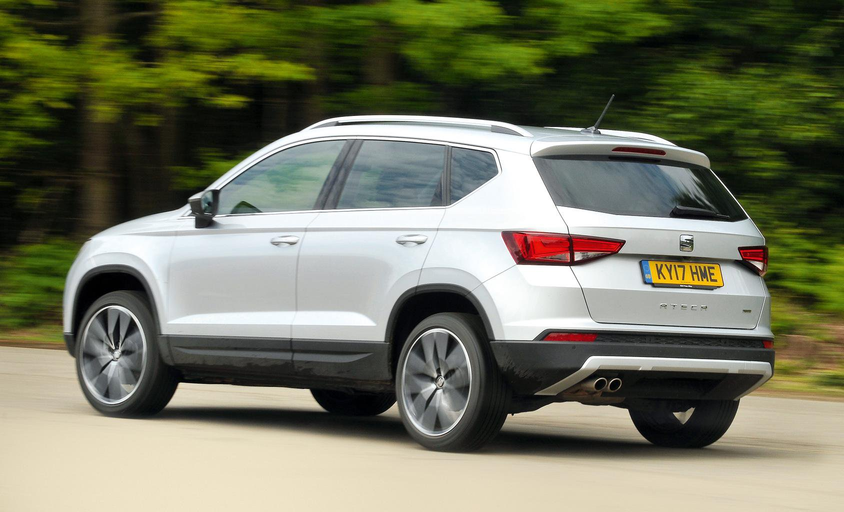 Seat Ateca vs Volkswagen Tiguan | What Car?