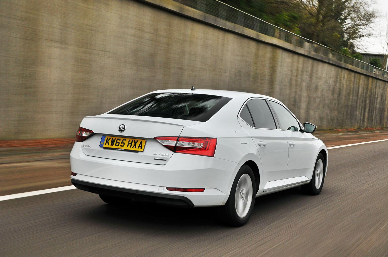 Kia Optima vs Skoda Superb