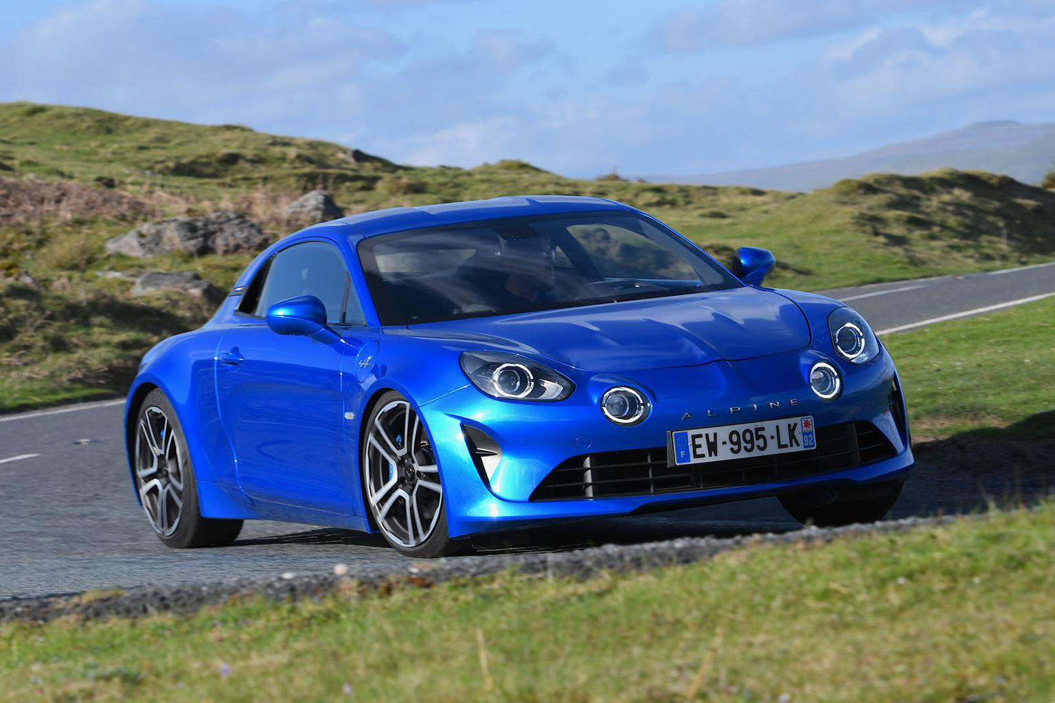 New Alpine A110 vs Audi TT RS vs Porsche Cayman