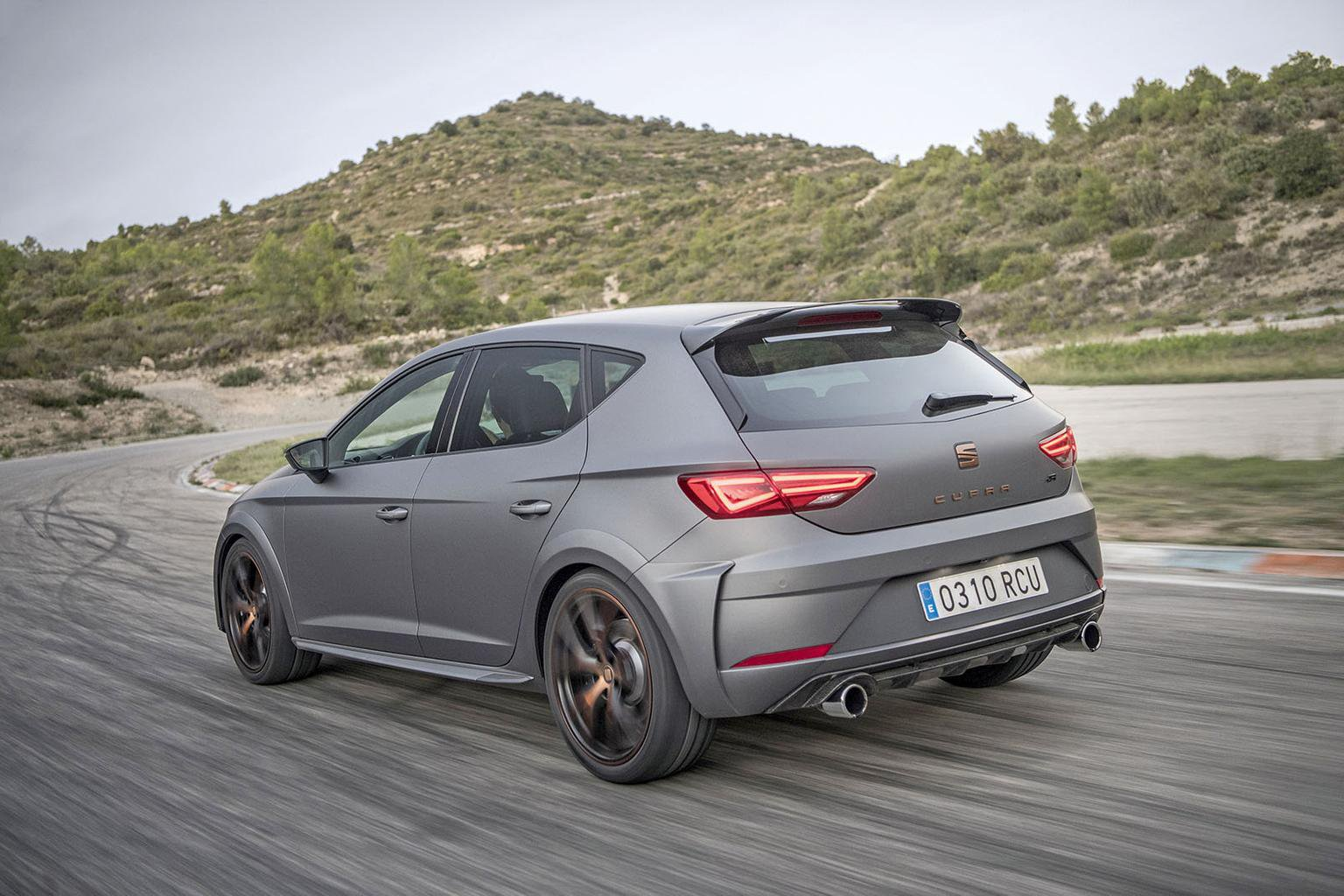 2017 Seat Leon Cupra R review - price, specs and release date