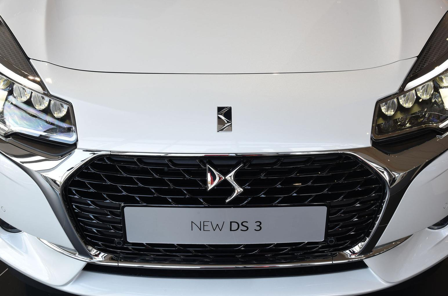 New DS 3 - What Car? Reader Test Team review