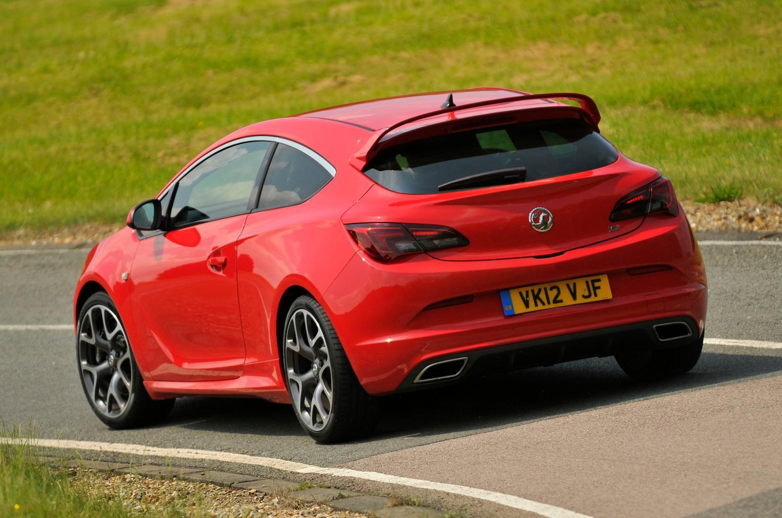Used test – hot hatches: Renault Sport Megane vs Vauxhall Astra VXR
