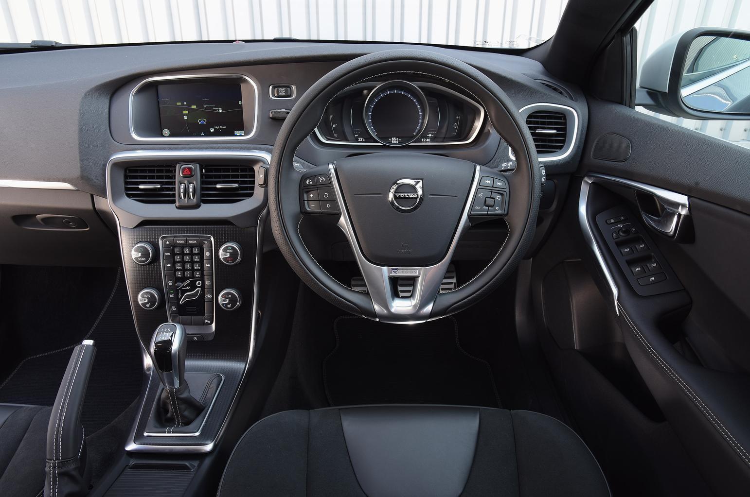 2016 Volvo V40 T3 review