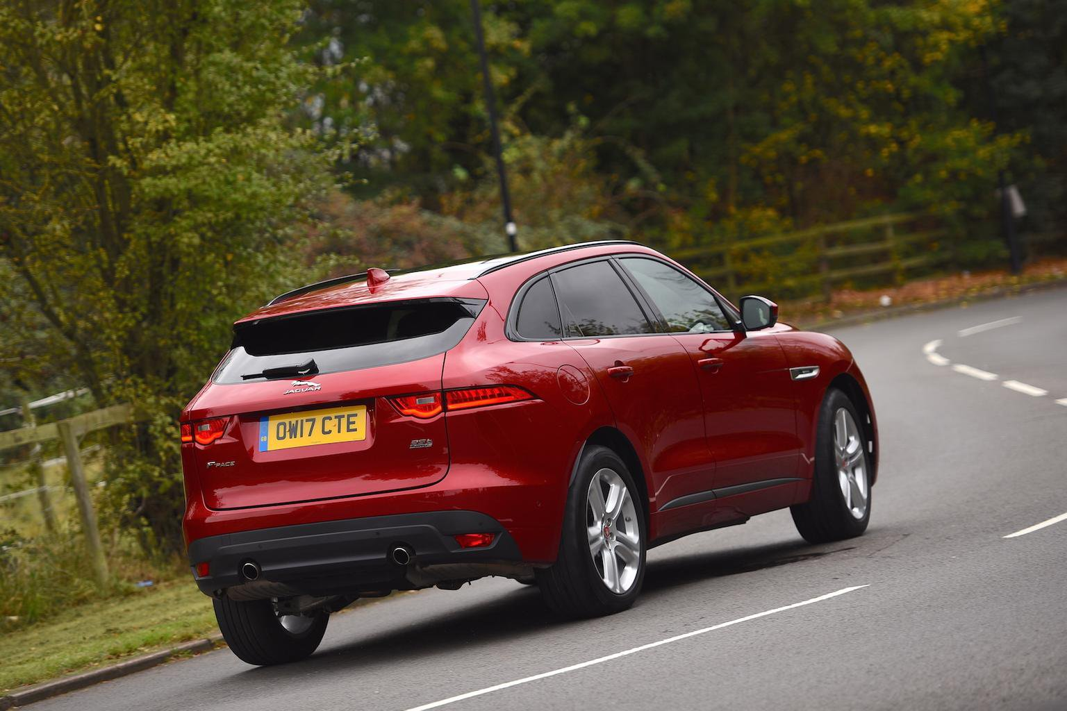 2017 Jaguar F-Pace 25t AWD review - price, specs and release date