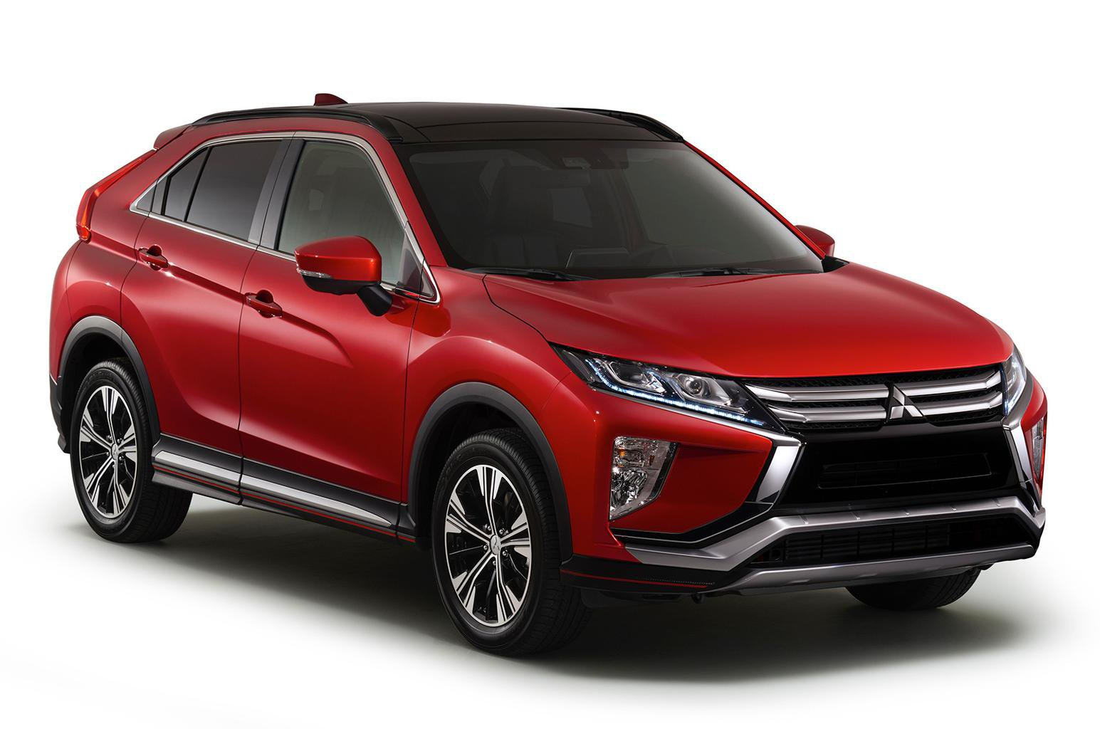 New Mitsubishi Eclipse Cross to take on Nissan Qashqai