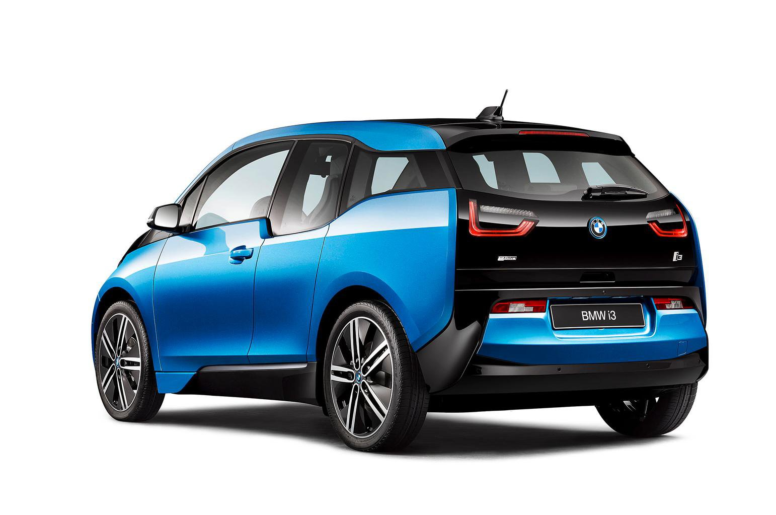 Updated BMW i3 gets increased range and larger-capacity battery