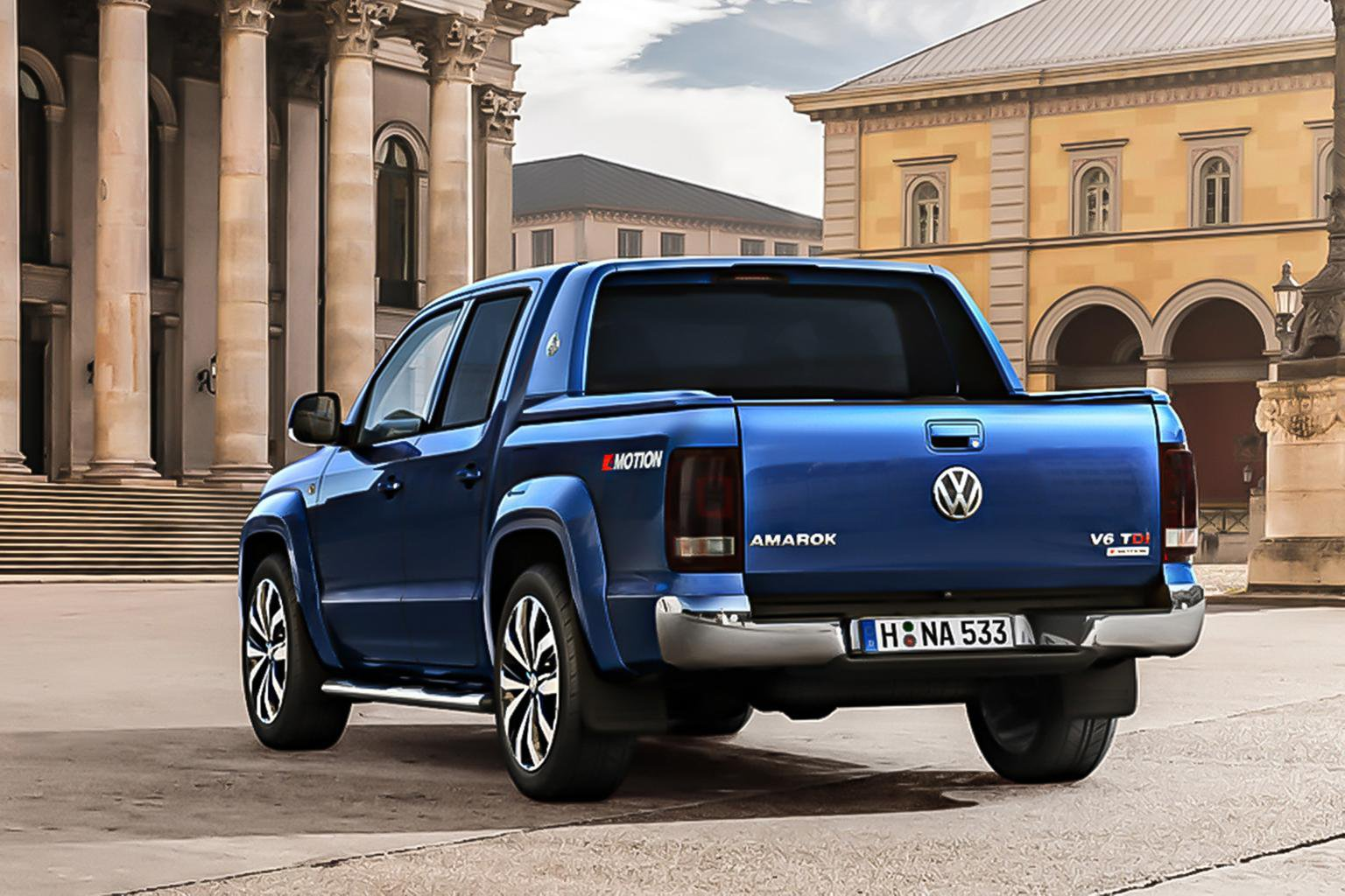 Facelifted Volkswagen Amarok pick-up truck revealed