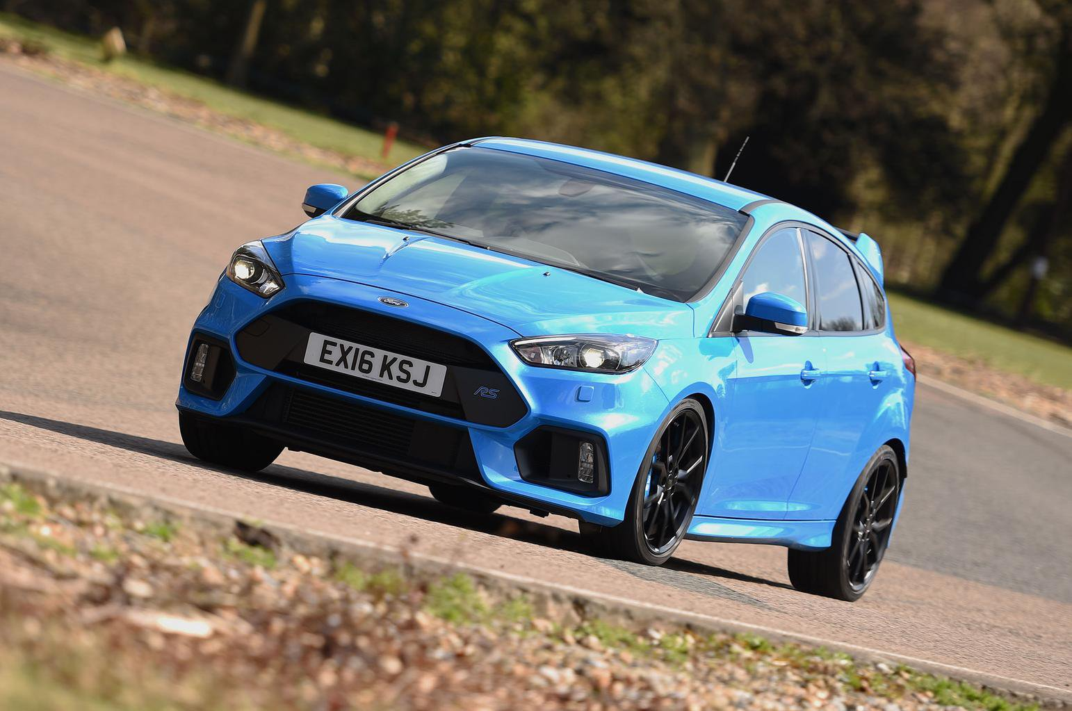 Ford Focus RS vs BMW M135i