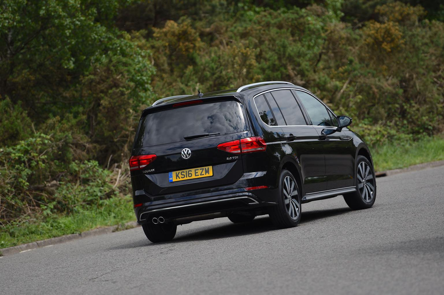 2016 Volkswagen Touran 2.0 TDI R-Line review