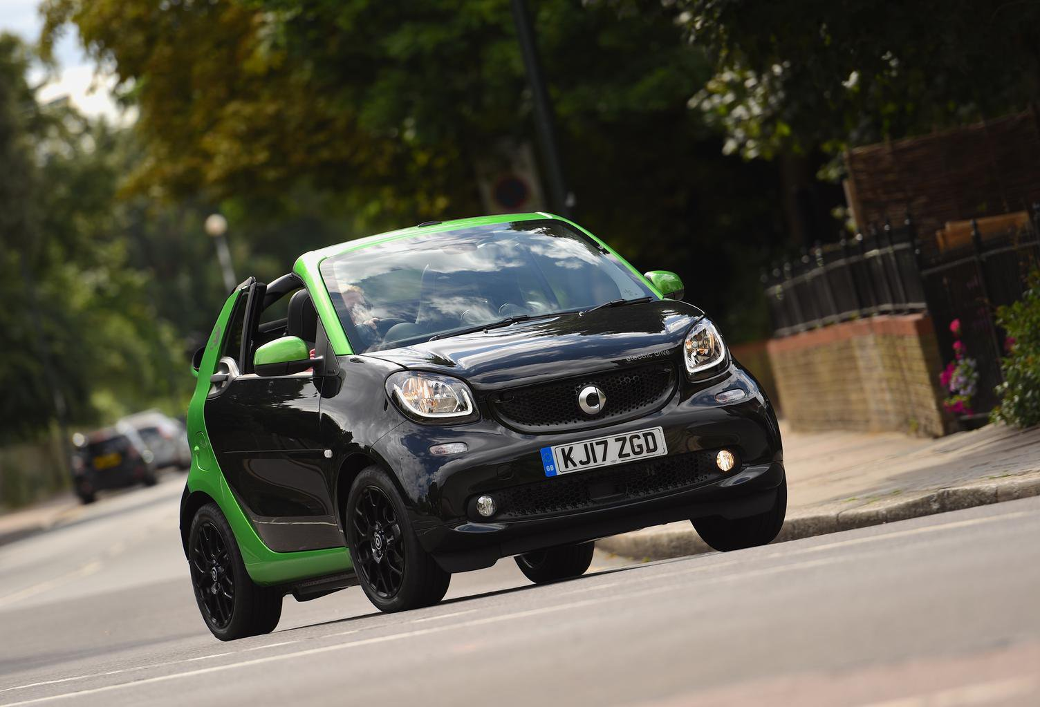 Smart Fortwo Electric Drive And Forfour 2017 Review
