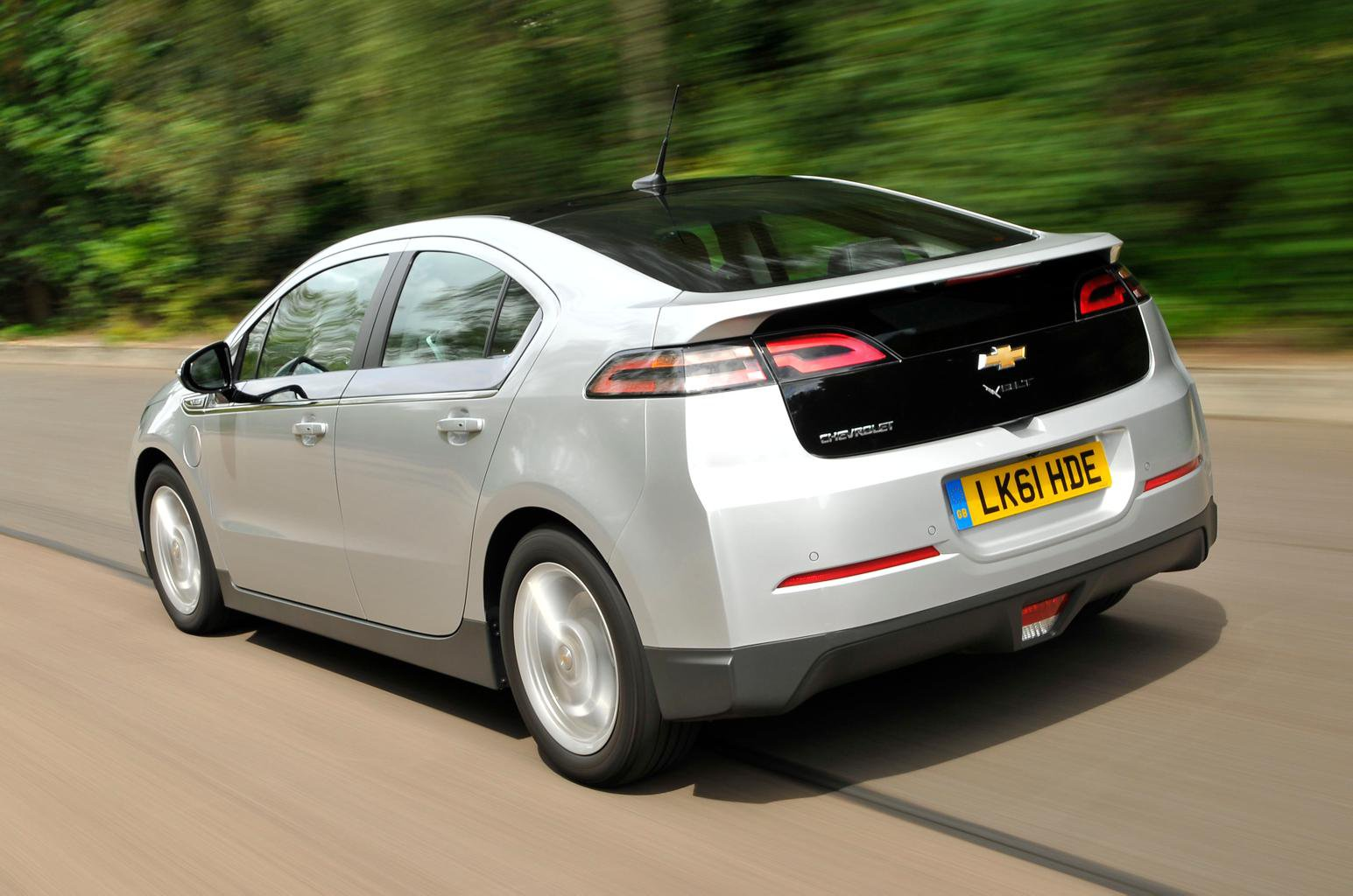 Used test – diesel busters: Chevrolet Volt vs Toyota Prius Plug-In
