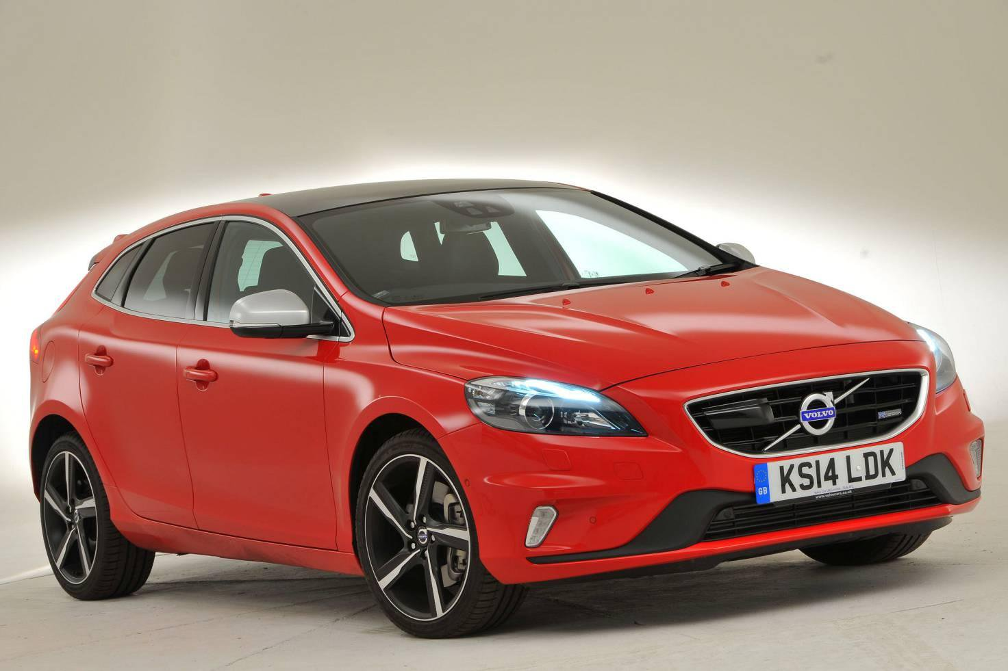 Volvo V40 tops list of Britain's safest family cars