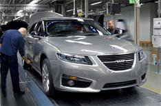 Saab delays production restart