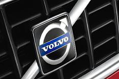 Ford agrees to sell Volvo