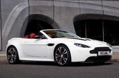 Hot Aston Martin V12 Vantage Roadster
