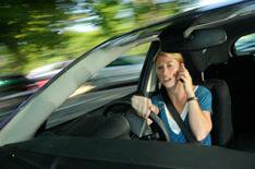 More drivers ignoring mobile phone laws