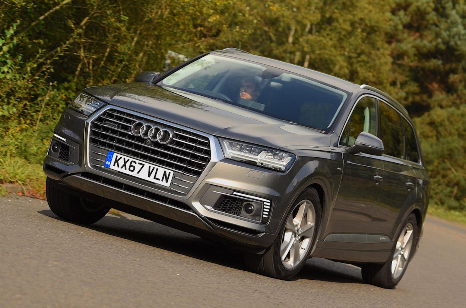 2017 Audi Q7 E-Tron review