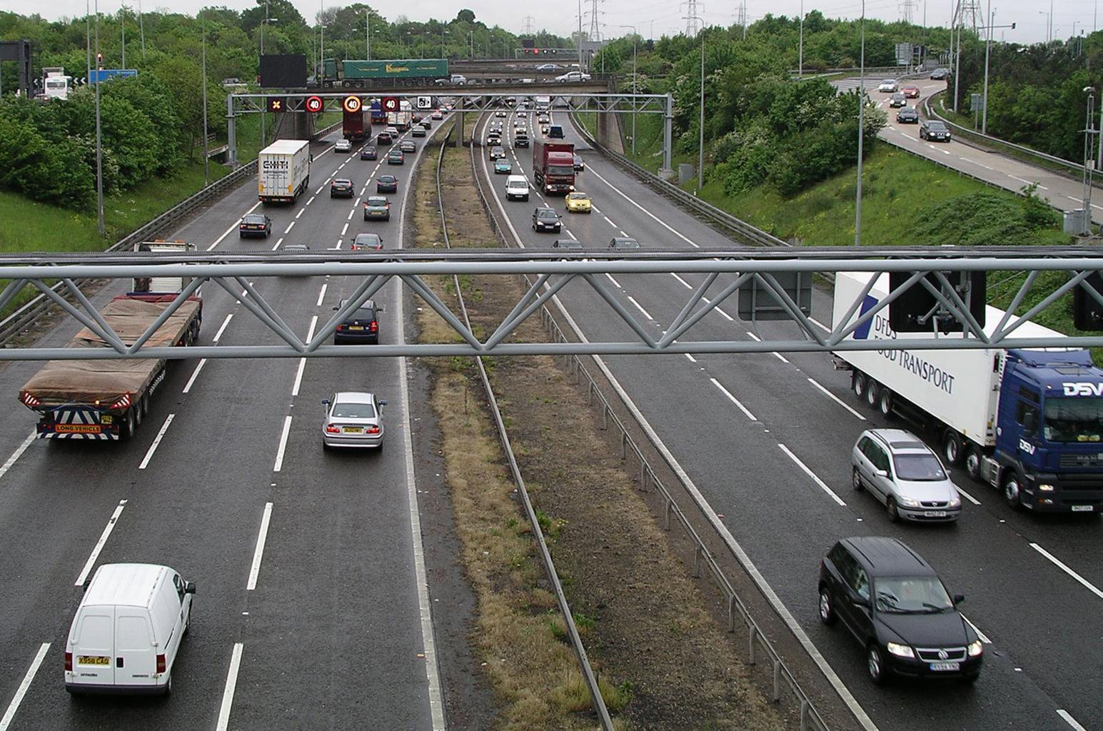 Learner drivers to be allowed on British motorways
