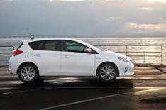 Lower emissions for Toyota Auris hatch