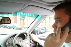 Drivers still flouting mobile phone laws