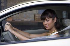 Bond girl draws attention to Ka