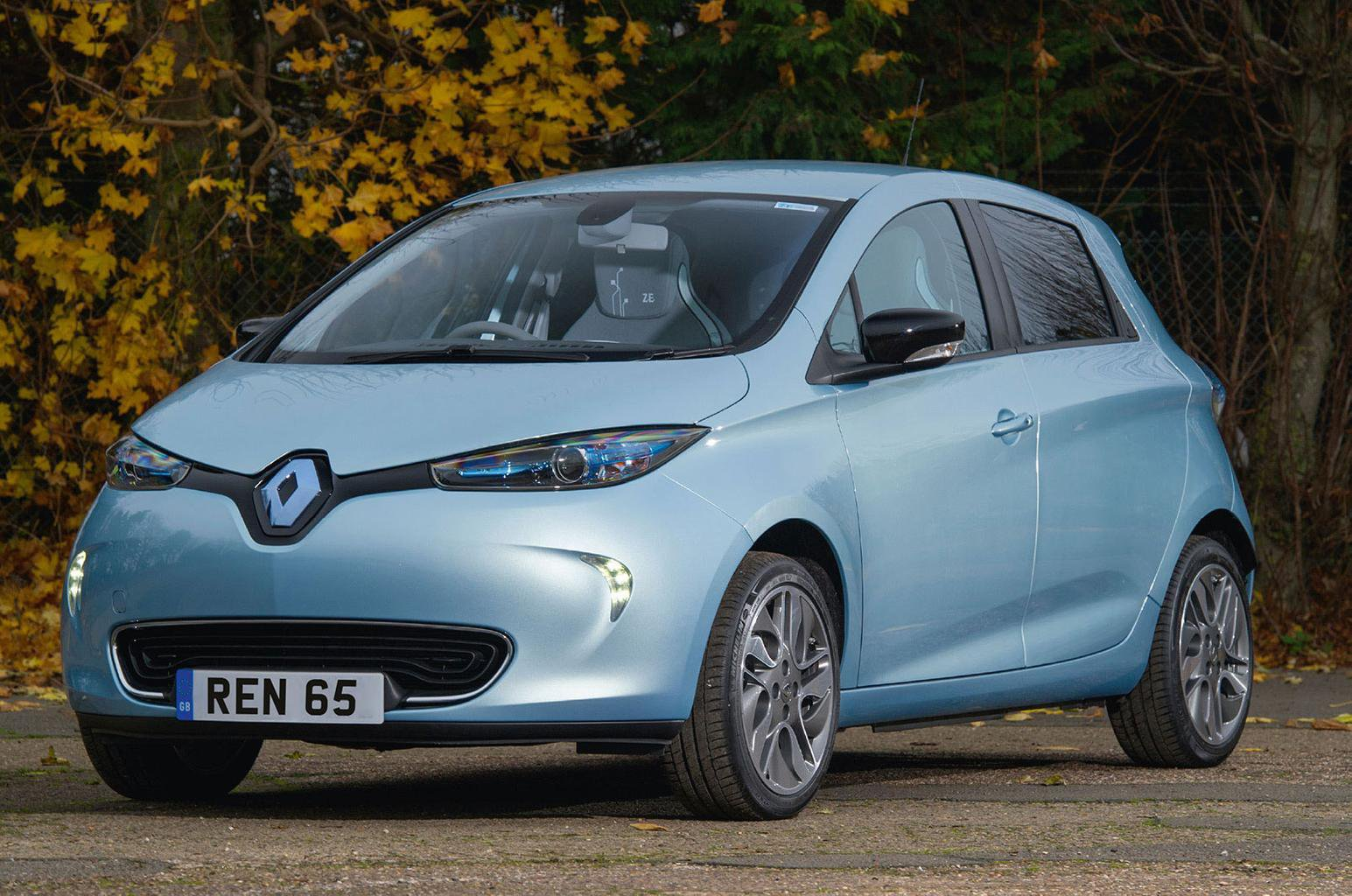 Renault upgrades all-electric Zoe and Twizy