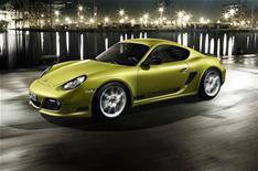 Porsche unveils flagship Cayman R