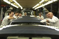 Honda plans more job cuts