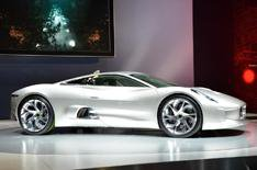Jaguar will build C-X75 (updated)