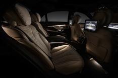 2013 Mercedes S-Class interior revealed