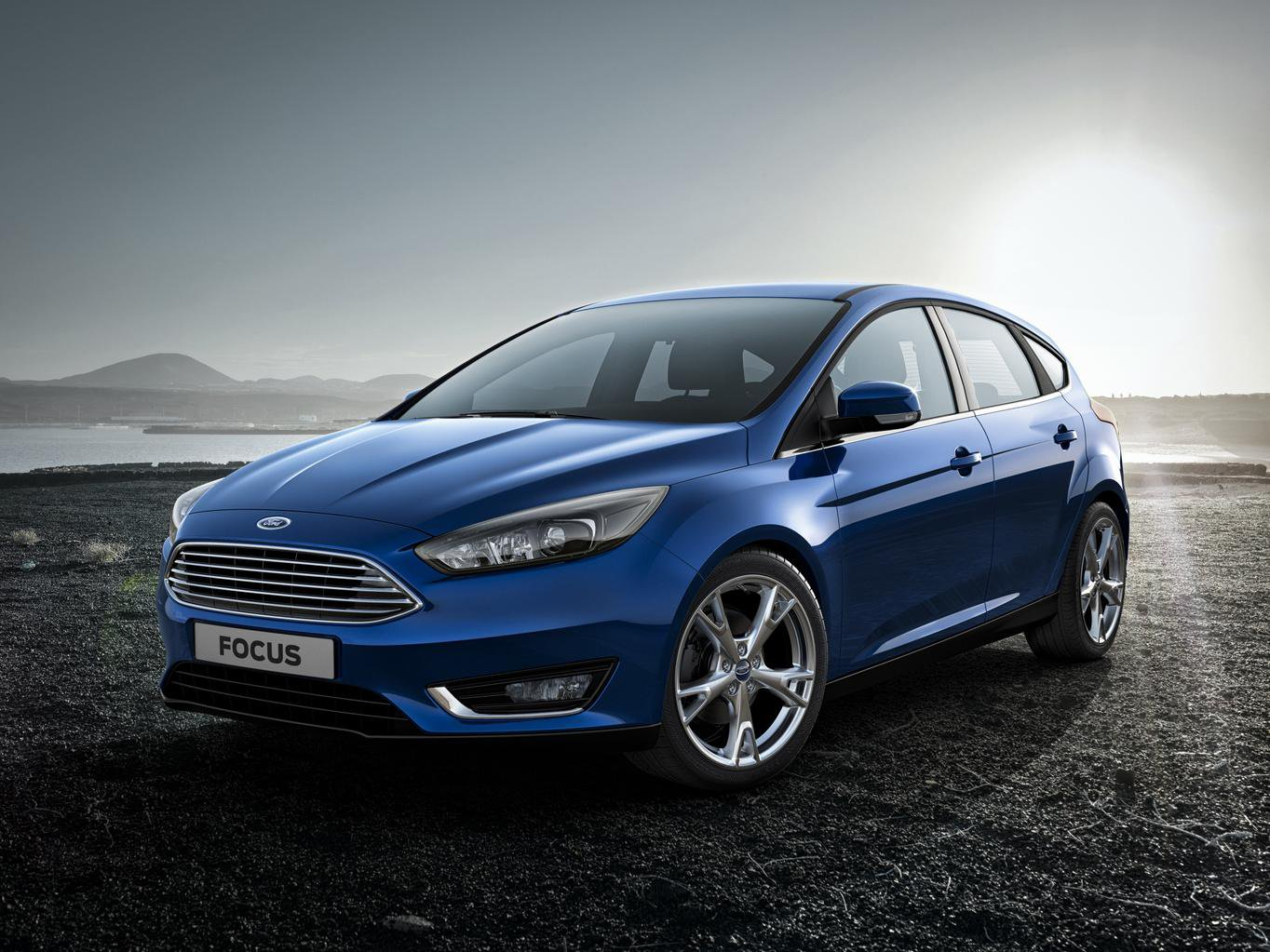 What Car? invites you to preview the 2014 Ford Focus