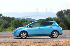 Nissan Leaf prices cut by 2500