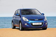 Hyundai i20: More kit, less cost