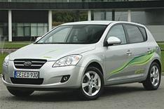 Kia shows off hybrid plans