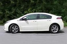 Electric Vauxhall Ampera in action
