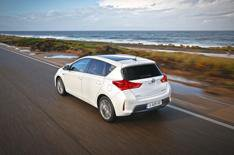 2013 Toyota Auris Hybrid review