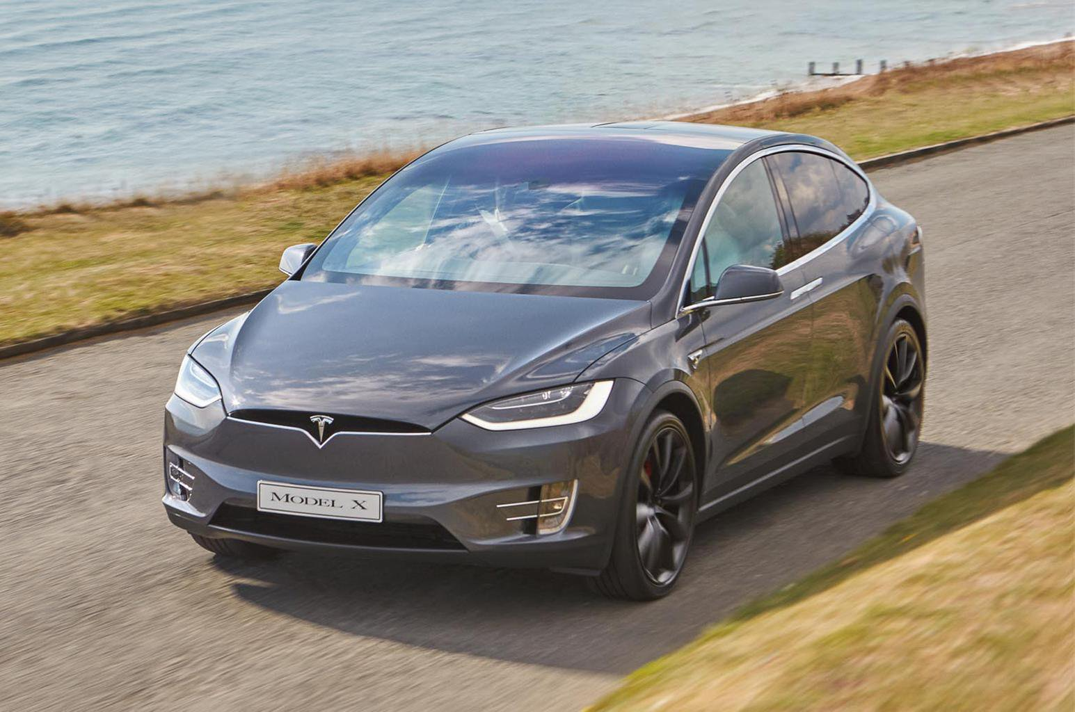 Tesla issues software update to fix Model X potential airbag problem