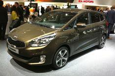 2013 Kia Carens revealed