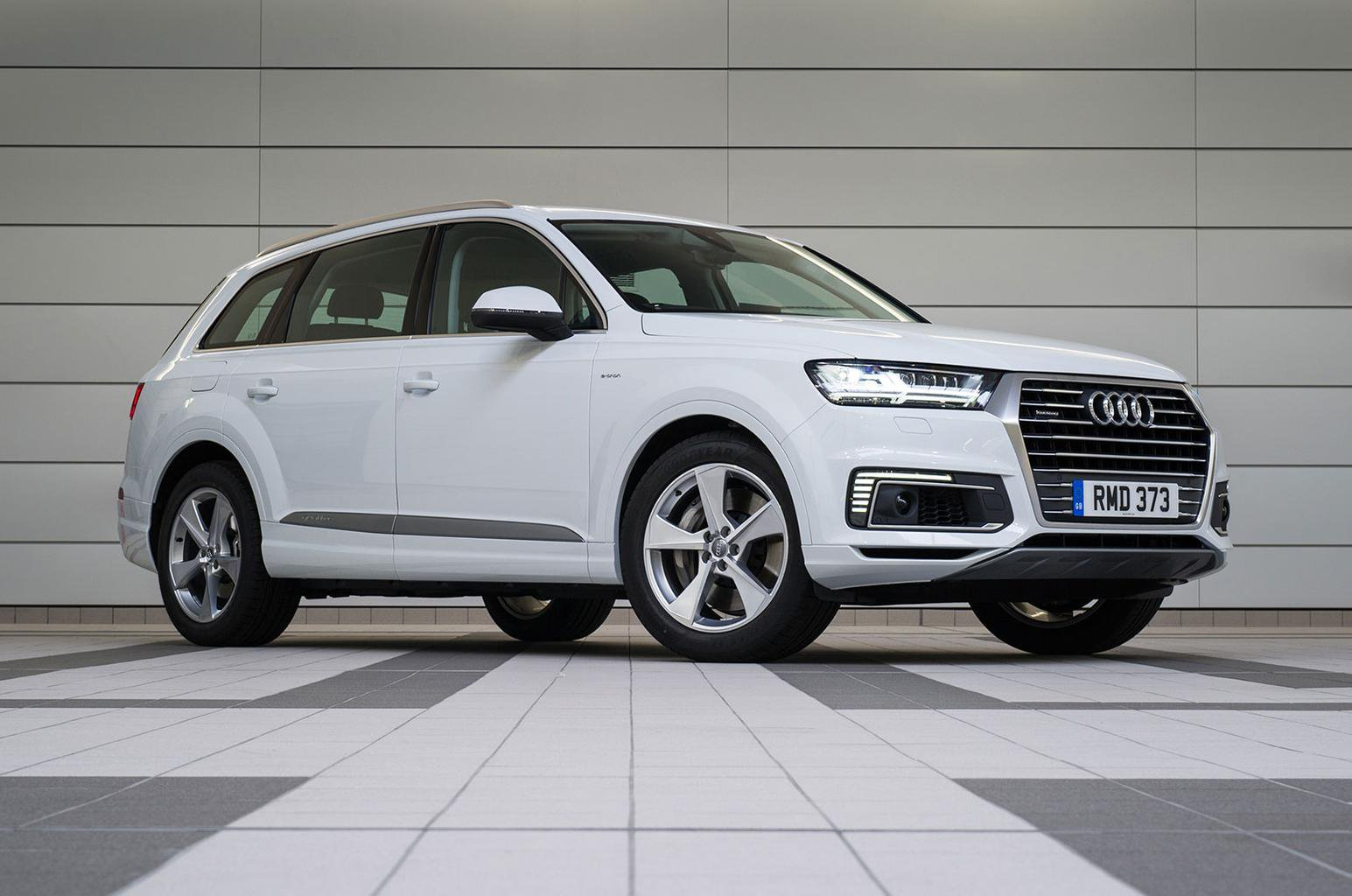 Audi Q7 e-tron UK delivery problems – what you need to know