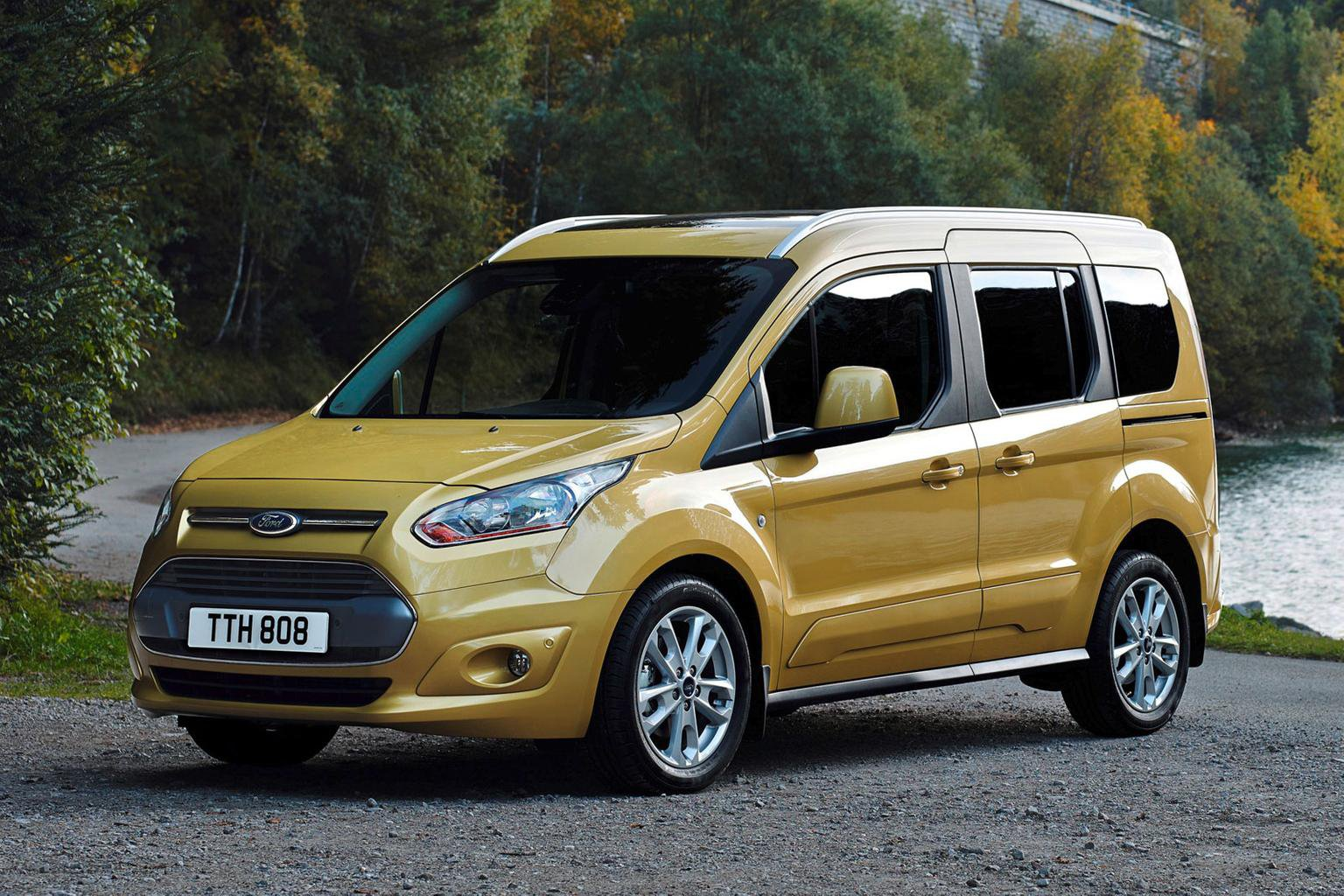 2014 Ford Tourneo Connect exclusive preview