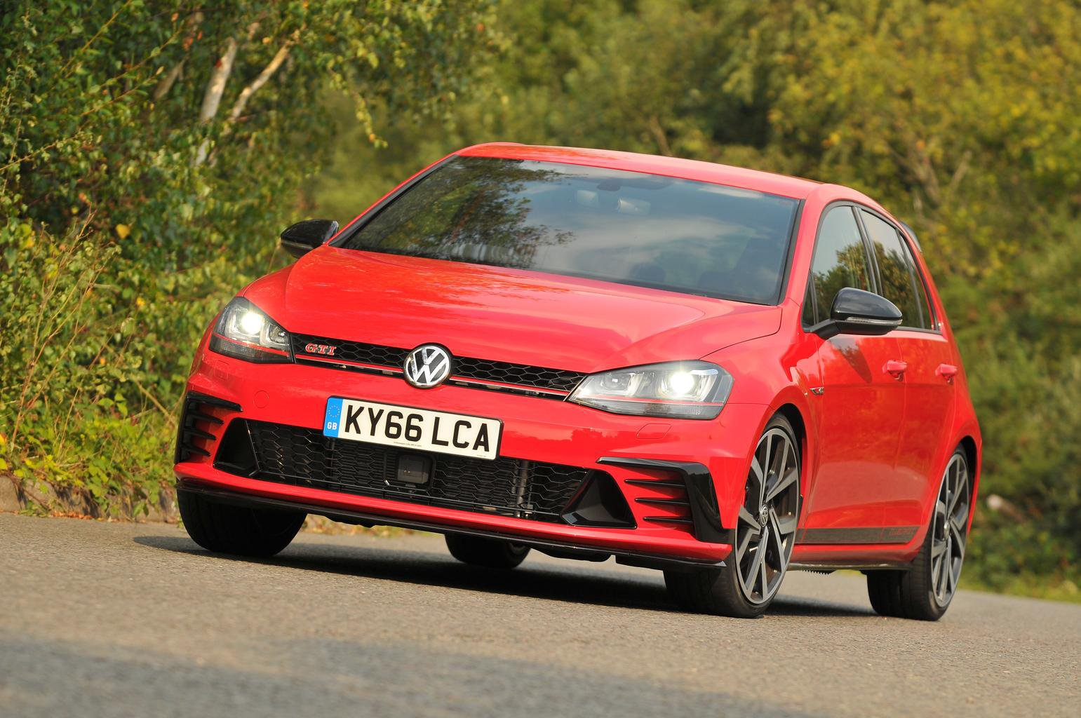 2016 Volkswagen Golf GTI Clubsport Edition 40 review