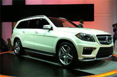 New York 2012: Mercedes GL unveiled