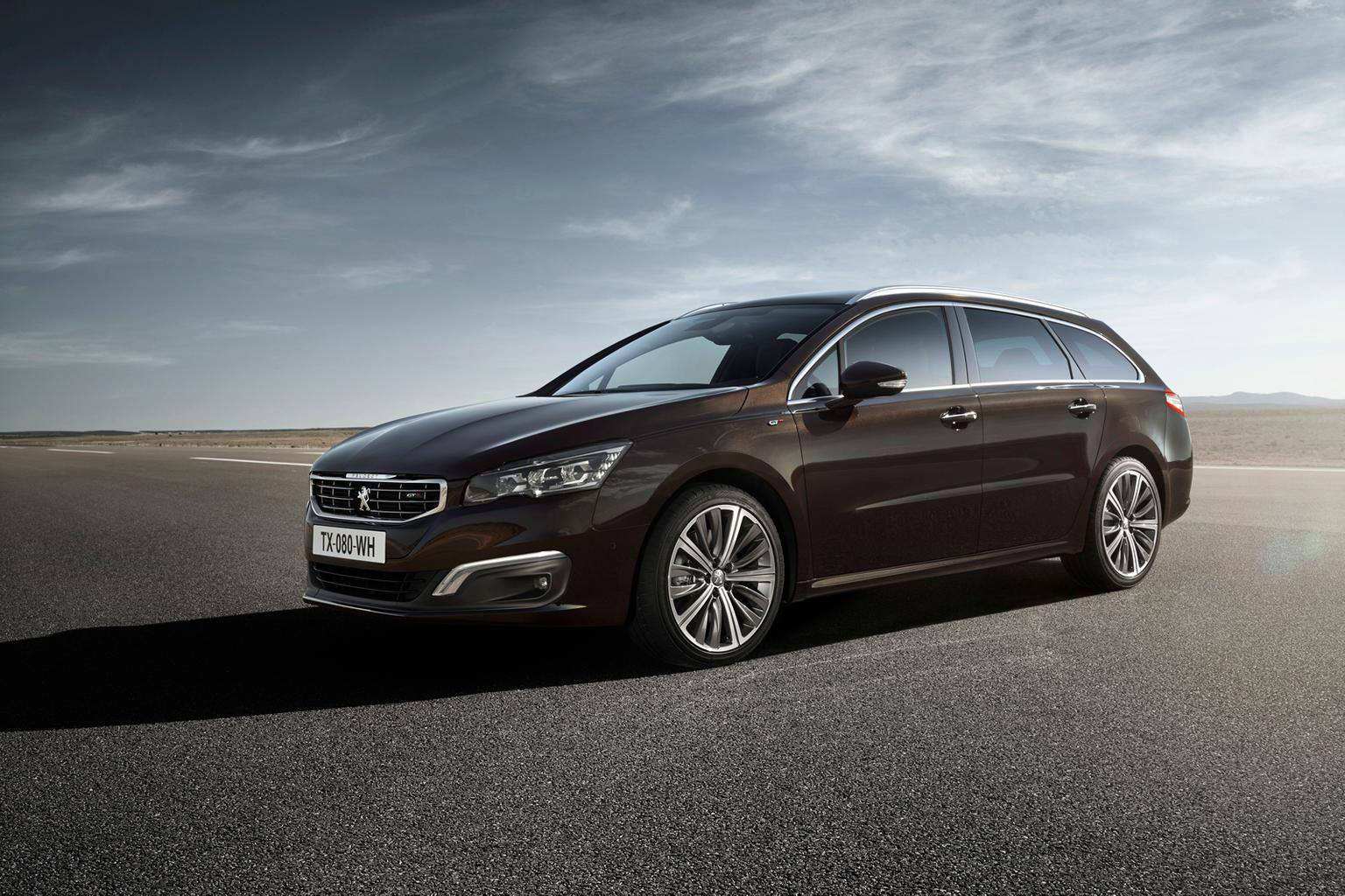 W superbly 2014 Peugeot 508 SW review | What Car? VH83
