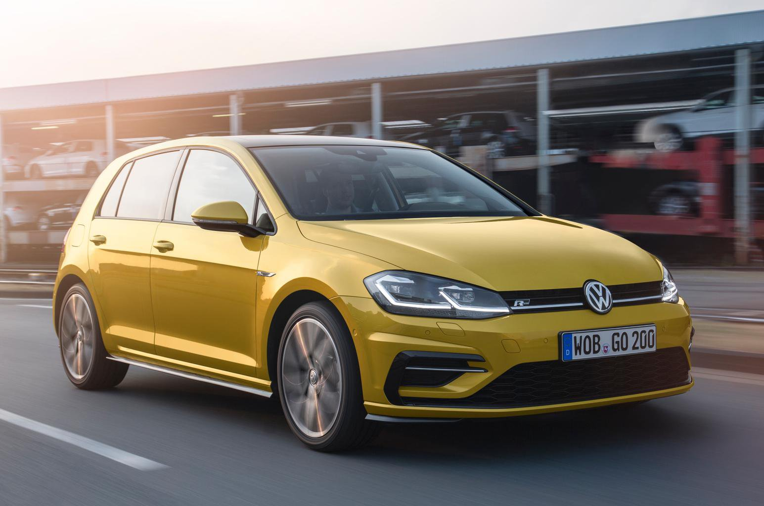2017 Volkswagen Golf revealed - plus video