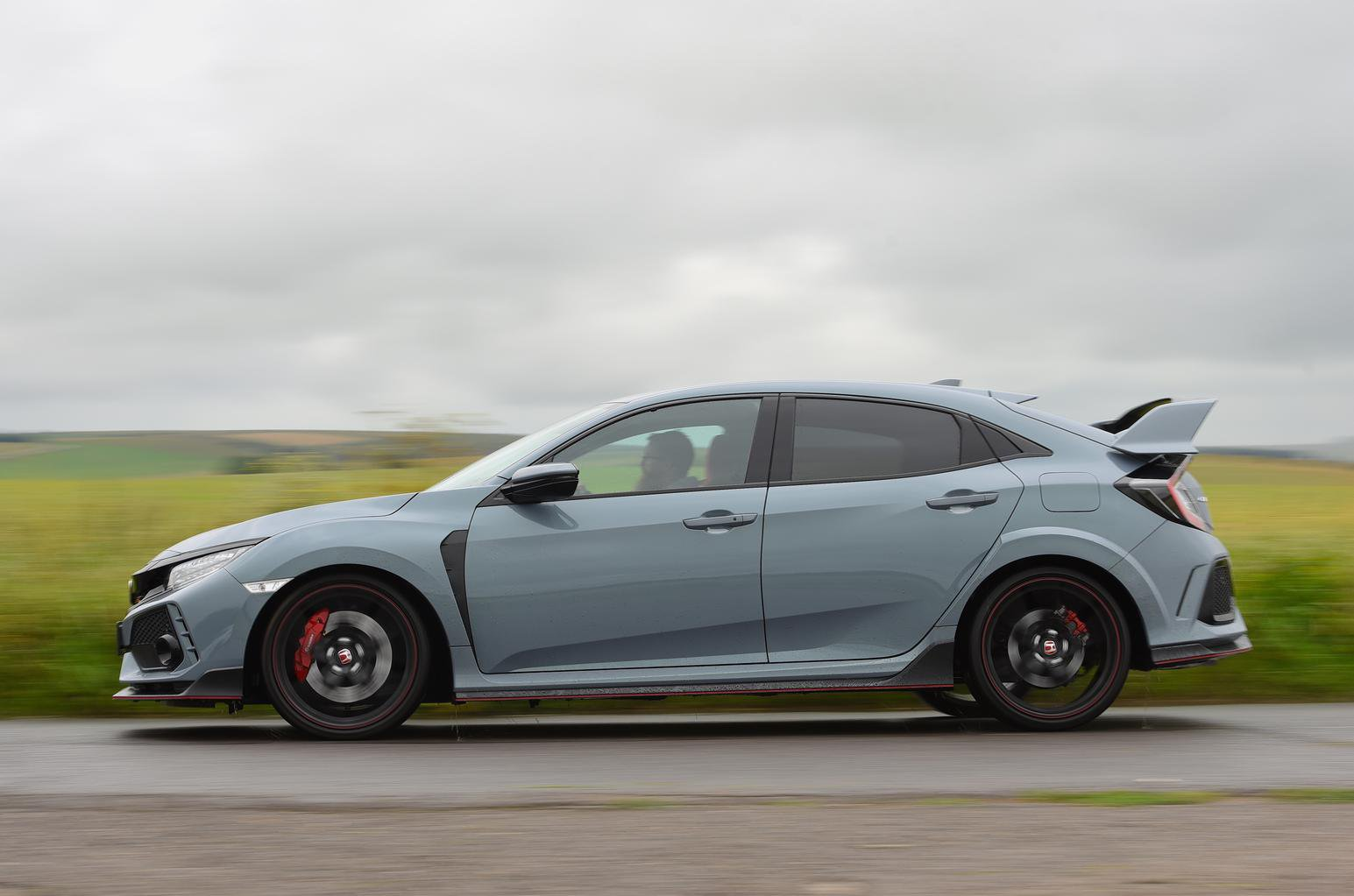 New Honda Civic Type R vs BMW M140i vs Ford Focus RS